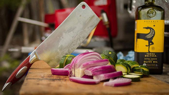 Zmywarki gastronomiczne – czym różnią się od zmywarek domowych