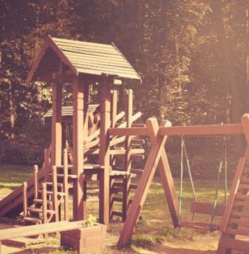 Bezpieczny plac zabaw dla dzieci z drewna